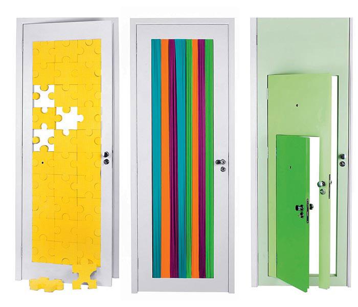 Как можно украсить дверь в комнату своими руками 68