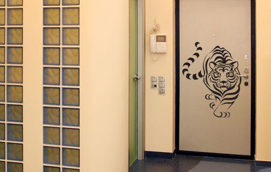 Как декорировать межкомнатную дверь